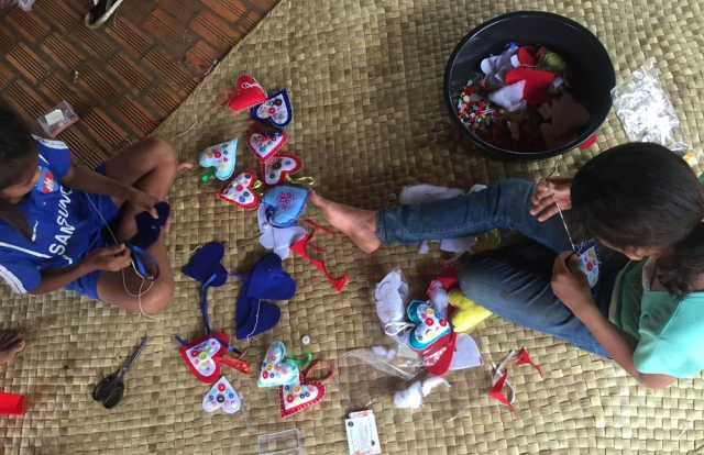 Restore One Christmas decoration project 2016 - making hearts