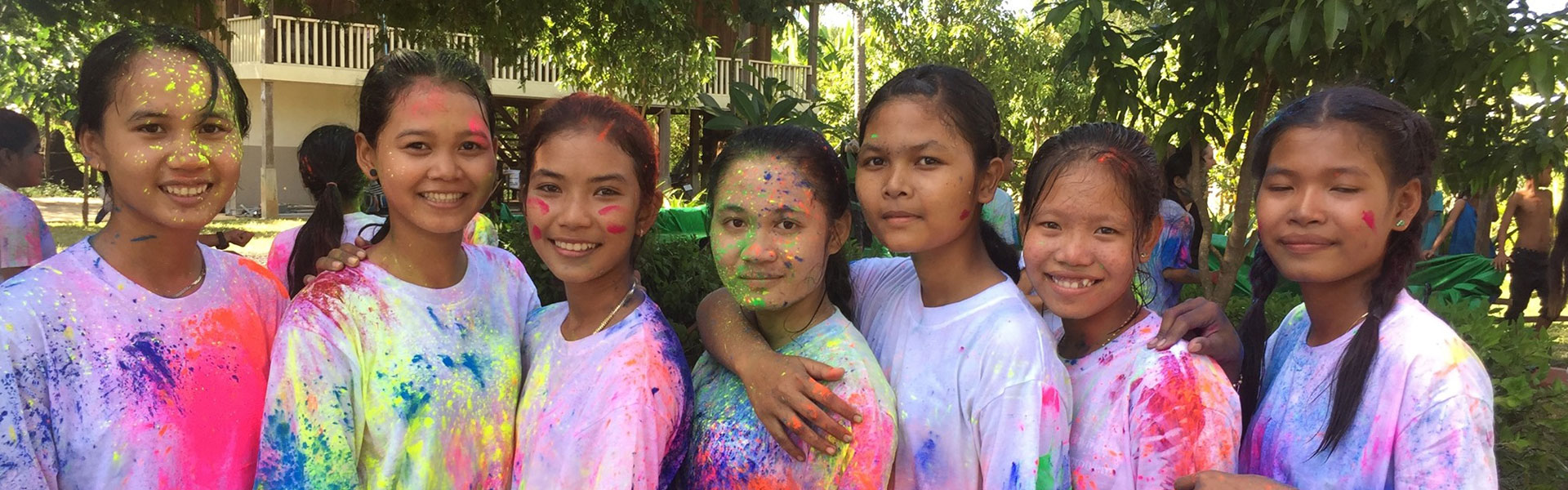 girls after the colour run
