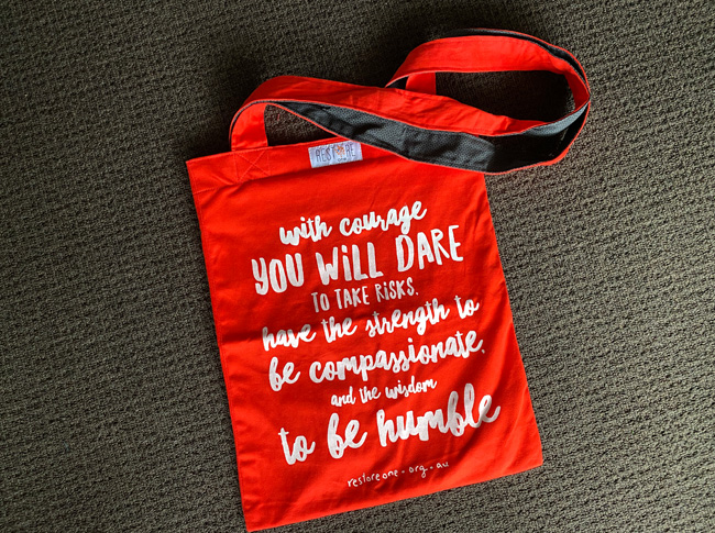 Tote bag coloured, courage, red